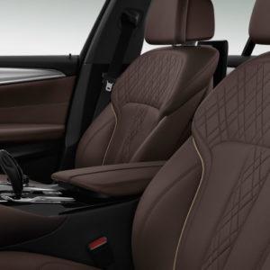 BMW serii 5 - wnętrze