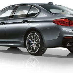 BMW serii 5 od tyłu