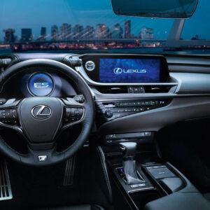 Lexus ES 300h wnętrze